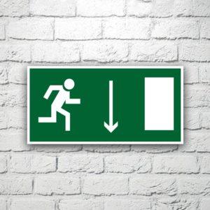 Знак Указатель двери эвакуационного выхода (правосторонний) 30х15 см (код 90526)