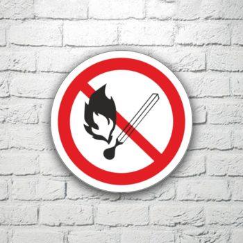 Табличка Запрещается пользоваться открытым огнем 15х15 см (код 91129)